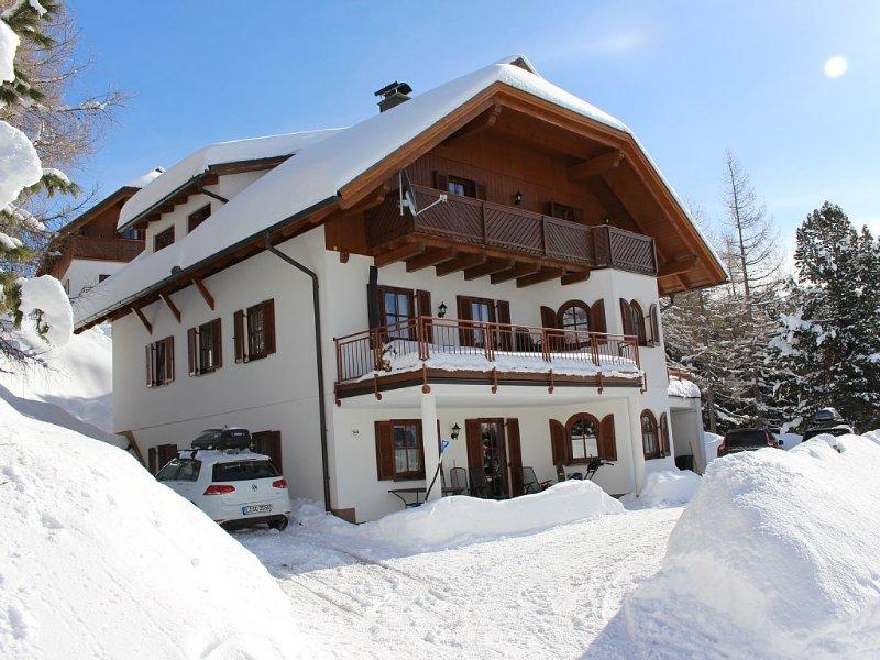 Exkl. Ferienwohnung mit Kamin, Sauna, Fußbodenheizung, Internet/WLAN , Carport, holiday rental in Sirnitz-Sonnseite