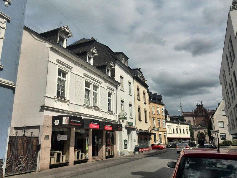 Zentrale Ferienwohnung mit Blick auf die Paulinskirche, holiday rental in Newel