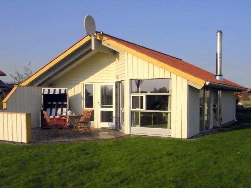 helles dänisches Holzhaus mit freiem Blick in die Natur, Haustiere willkommen, location de vacances à Vollerwiek