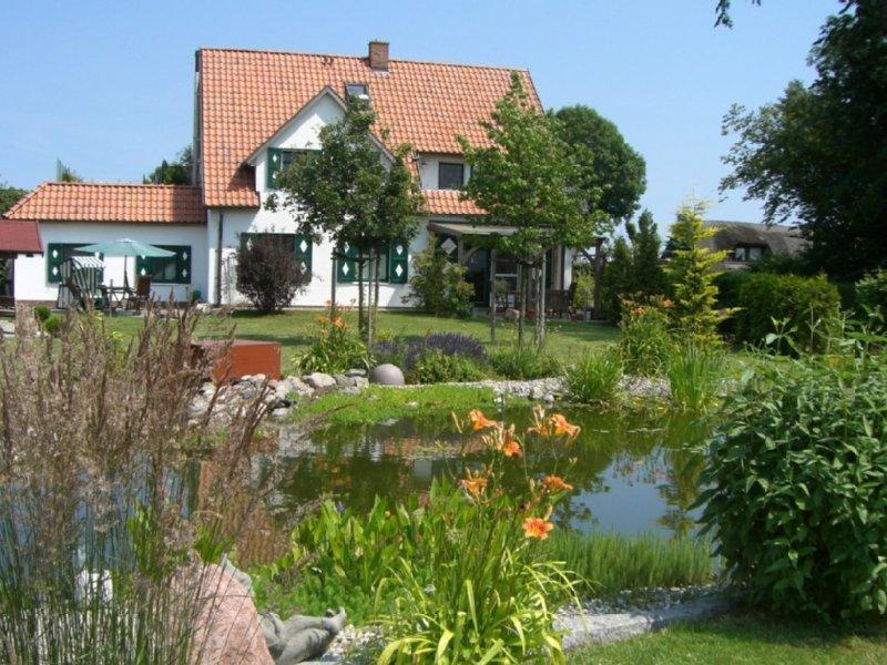 Exklusive 5-Sterne-Ferienwohnung am Wasser, location de vacances à Garz