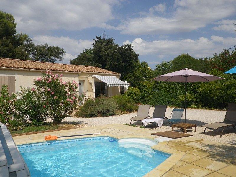 Villa provencale au calme avec piscine et jaccuzzi  avignon, holiday rental in Avignon