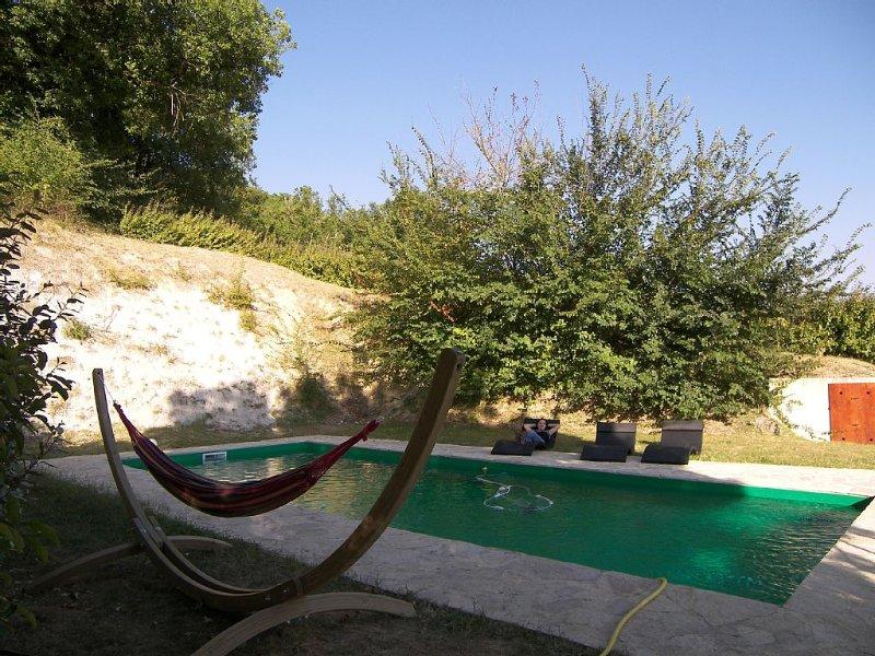Gite paisible avec piscine privée à la campagne, vacation rental in Beauville