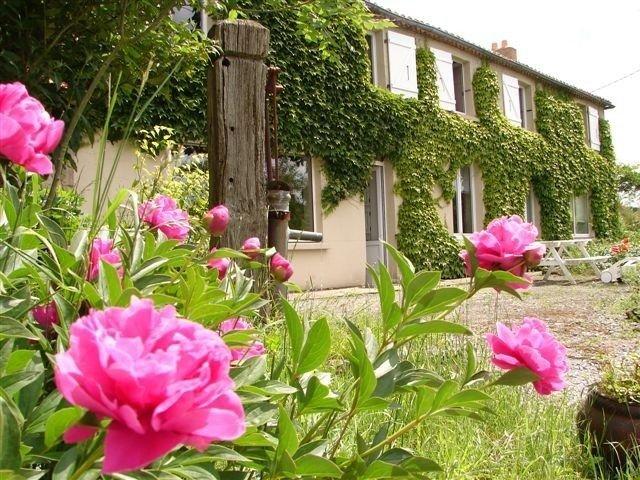Grande propriété au calme avec étangs et piscine couverte, proche du Puy du Fou., location de vacances à Les Epesses