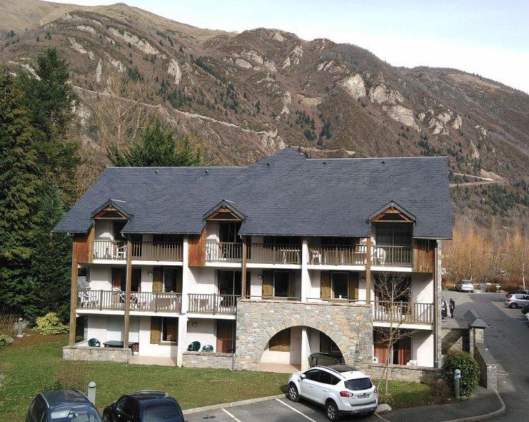 Bel appt T2 dans résidence de prestige (piscine int. chauffée, Wifi, terrasse), holiday rental in Gouaux
