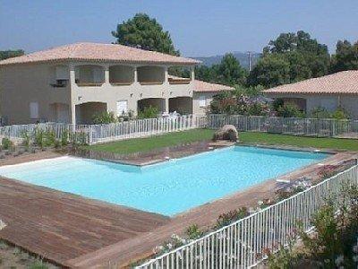 Residence grand standing de type f2 avec piscine,800 m des plages, location de vacances à Lecci
