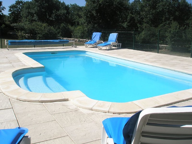 Gîte de charme quercynois avec piscine, prestations luxueuses, calme et reposant, holiday rental in Puylaroque