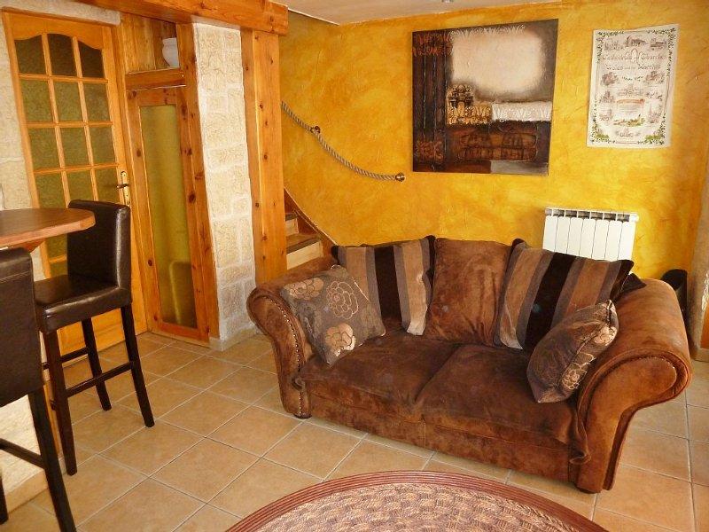 Maisonnette de charme en Haute-Ariège pour 2 personnes, holiday rental in Vebre
