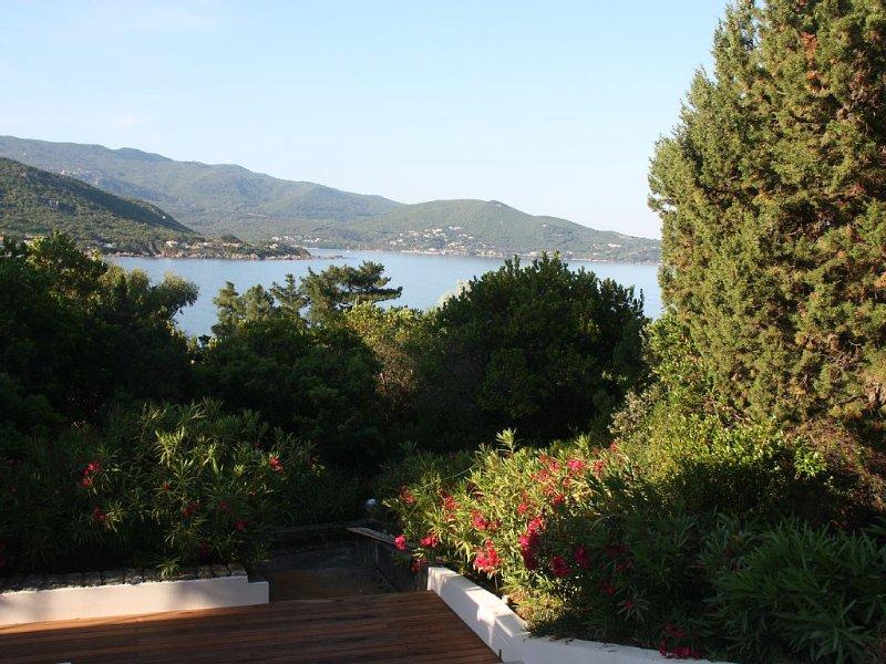 Pietrosella Plage villa 10/12 personnes 150 m plage vue exceptionnelle au calme, holiday rental in Pietrosella