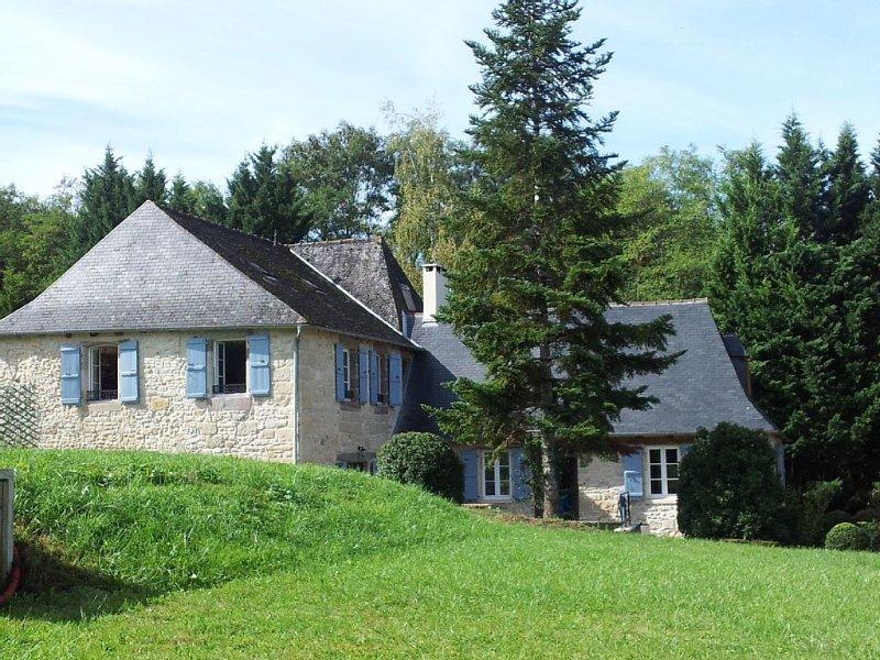 Dordogne et Corrèze vous attendent. Venez au village de Pazayac et à La Colline., holiday rental in Brignac-la-Plaine