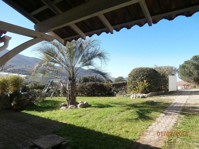 T2  très bien situé,au calme dans une résidence proche d'Ajaccio., vacation rental in Villanova