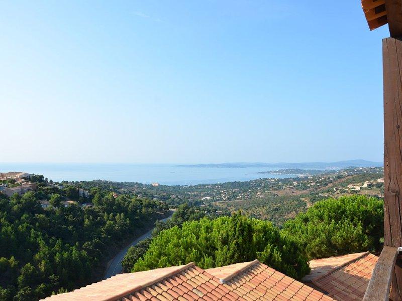 Splendide vue sur le Golfe de Saint-Tropez, appartement très bien équipé, holiday rental in Les Issambres