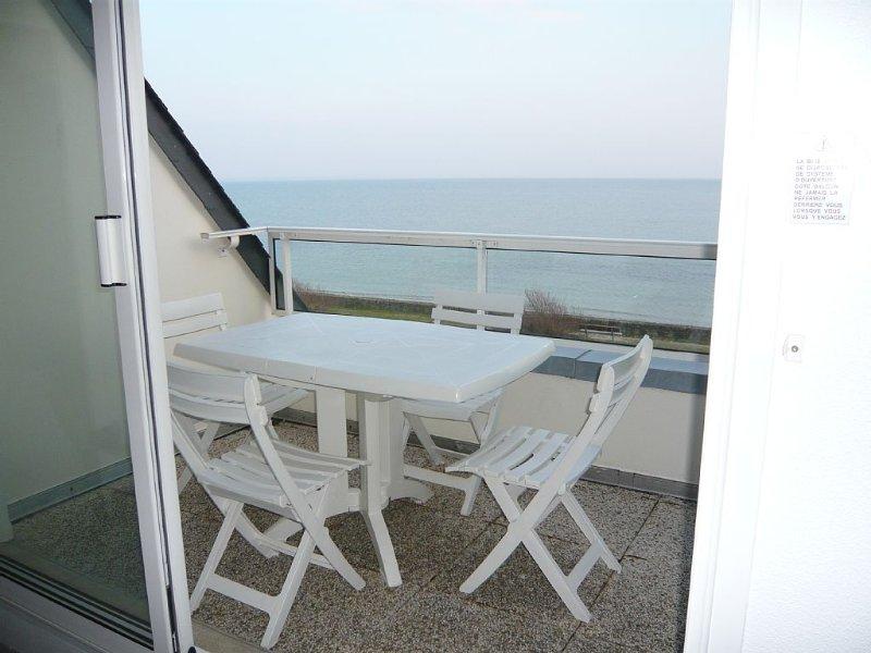 Appartement avec accès et vue imprenable sur mer, holiday rental in Le Tour-du-Parc