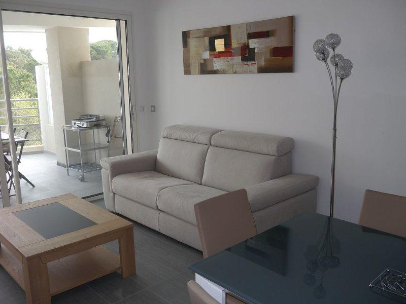 Très bel appartement T3 neuf  à 200 mètres de la plage de Calvi, location de vacances à Calvi