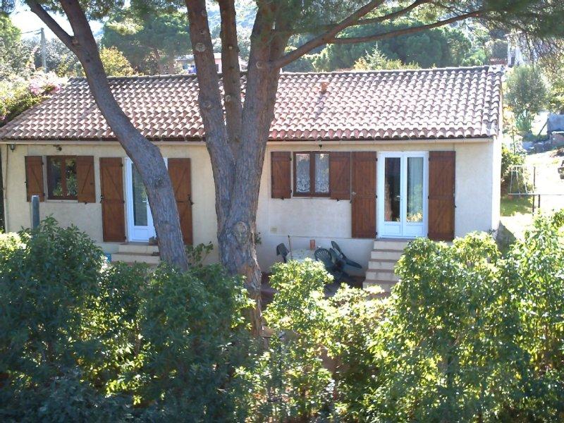 Maison avec jardin, proche de la plage, pour 2 personnes, entièrement équipée. – semesterbostad i Calvi