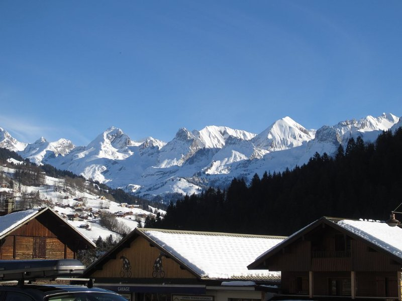 Le Grand Bornand town center south appt 2 * NN, alquiler de vacaciones en Le Grand-Bornand