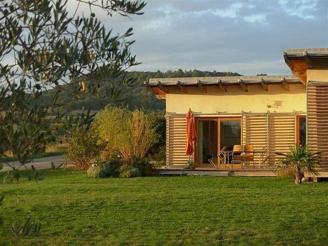 Haute Provence Luberon écogîte Dans Notre Ferme Bio, holiday rental in Niozelles
