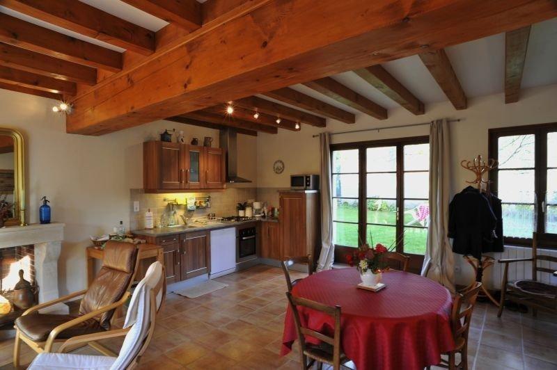 Gîte de charme à Michaugues, petit village au nord de la Bourgogne, vacation rental in Asnan