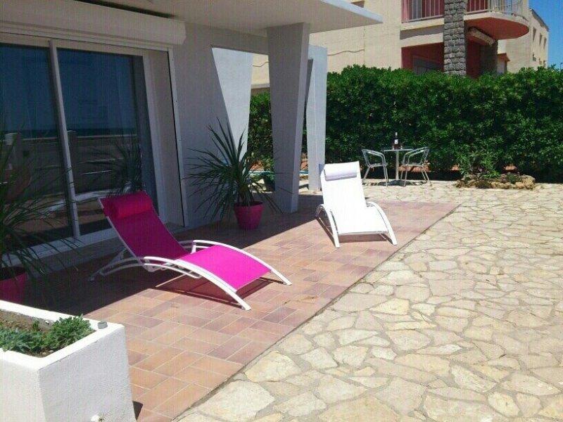 Villa front de mer proche commerces, vacation rental in Narbonne