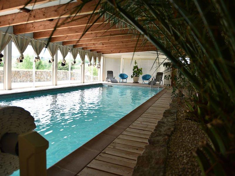 Gîte piscine privée intérieure, chauffée à 30°. 'A 15 min de l'Alsace', Ferienwohnung in Taintrux