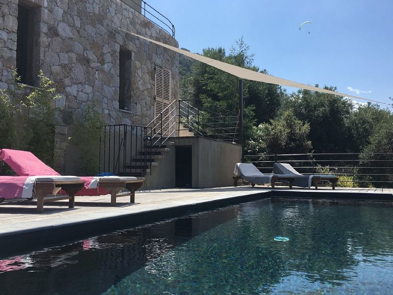 Villa standing, vue mer - piscine chauffée - coucher de soleil, location de vacances à Pigna