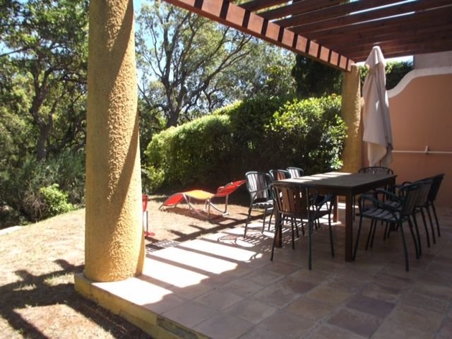 JOLIES MAISON 3 CH 8 P DANS LE PIERRE ET VACANCES DES RESTANQUES DE SAINT TROPEZ, vacation rental in Port Grimaud