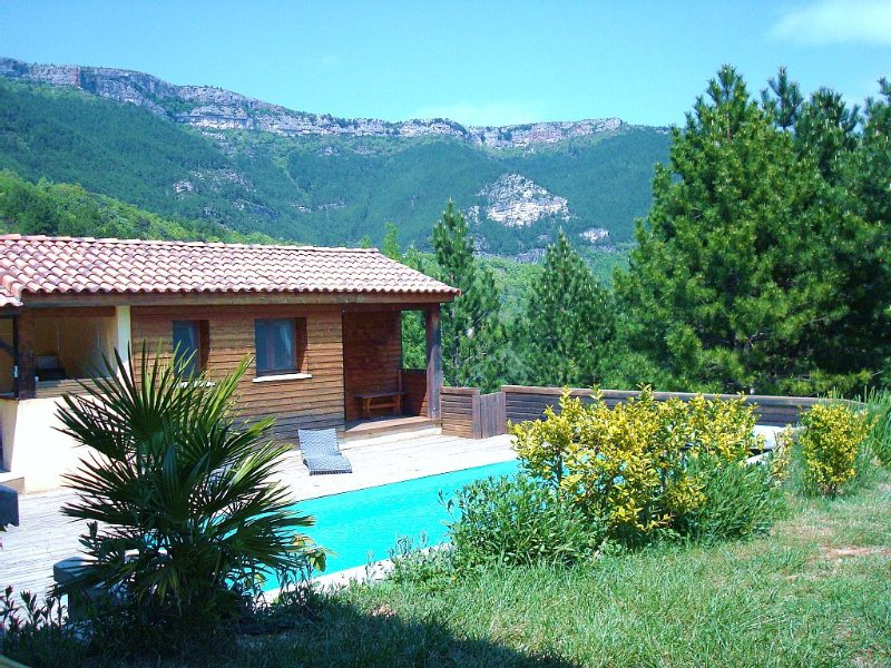 Belle petite maison tout confort avec piscine privée réservée, vacation rental in Le Bosc