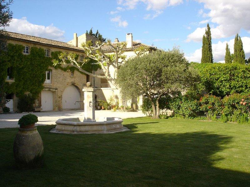 MAS PROVENCAL dans les oliviers et les truffiers, location de vacances à La Baume-de-Transit