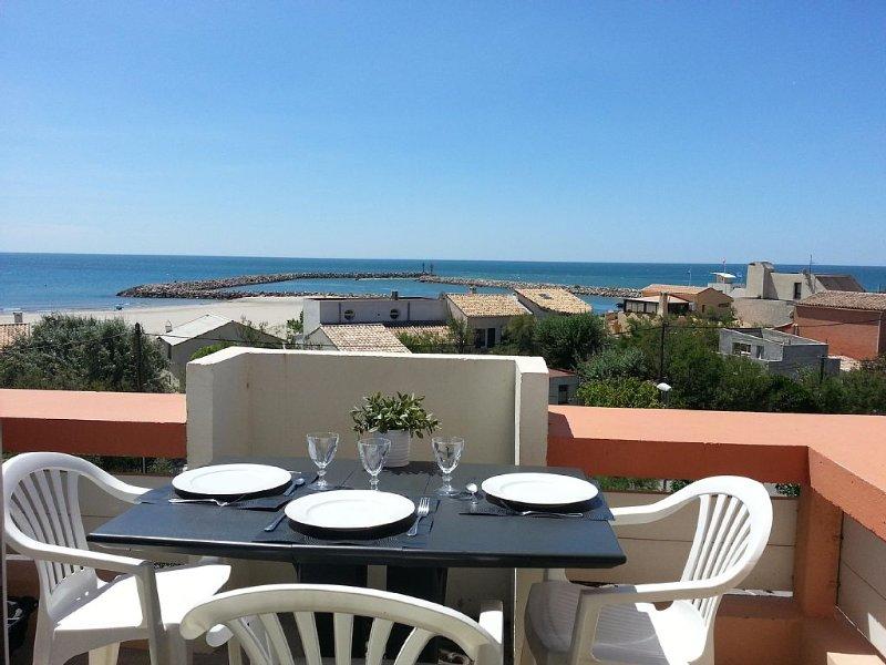 Vue exceptionnelle sur la mer et entrée du port, location de vacances à Frontignan