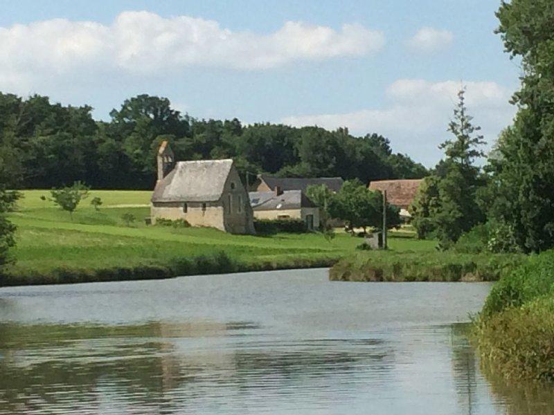 Maison de campagne boulangerie proche des 24 heures du Mans et du Zoo de la Flèc, vacation rental in Le Lude