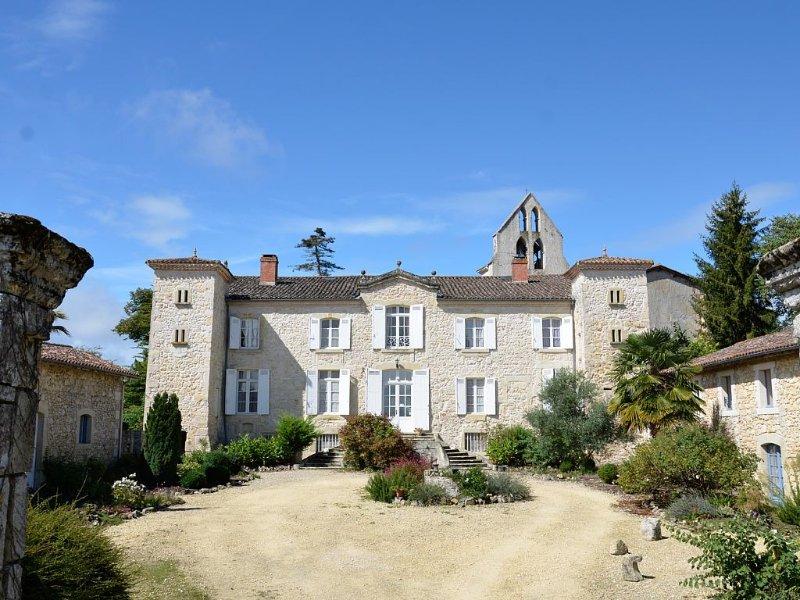 Grande Maison de caractère au cœur de l'Aquitaine, grande Piscine, Parc., alquiler vacacional en Sigalens