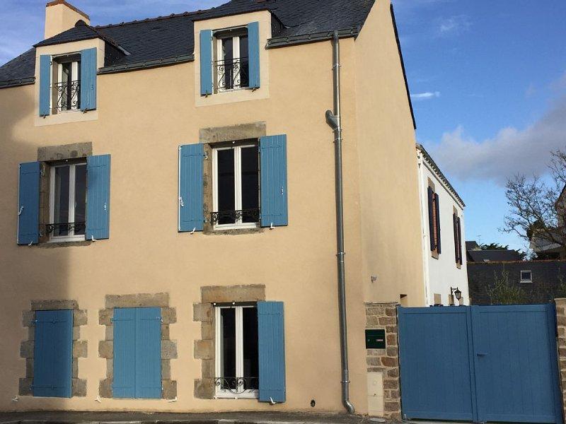 Maison rénovée au coeur de la ville : port, plage, marché... tout à pied, holiday rental in Le Pouliguen