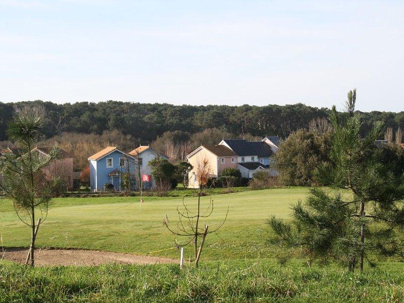 Maison (entièrement rénovée) calme sur golf, mer & campagne, aluguéis de temporada em Talmont Saint Hilaire