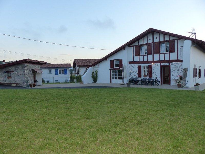Maison basque 12 pers. Guéthary proche de la mer, alquiler vacacional en Guéthary (Getaria)