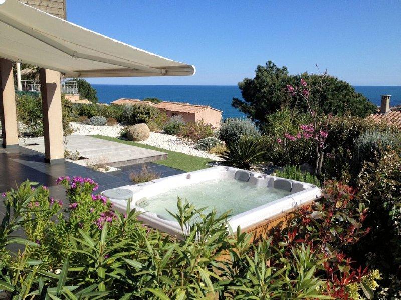 Location villa TIKI  anse de Tarco vue sur mer,  dispose d'un Jacuzzi extérieur, casa vacanza a Conca