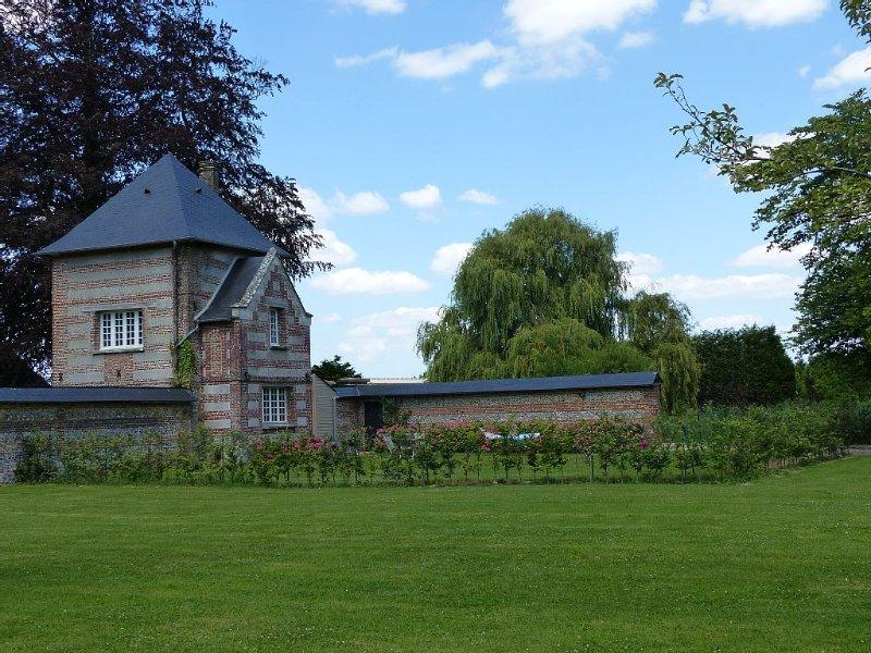 Dépendance du château de Grosmesnil, holiday rental in Fontaine-le-Bourg