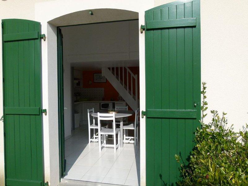 MAISON T3 DANS RESIDENCE AVEC PISCINES, vacation rental in Saint-Jean-de-Monts