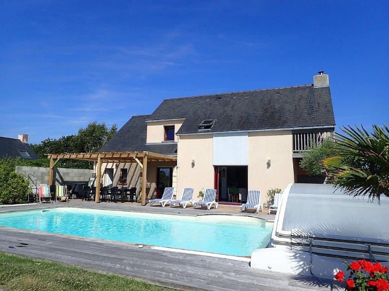 Mer et Nature au calme, 11/14 pers.,plage à 600m, piscine privée 10X5 chauffée, holiday rental in Asserac
