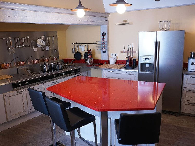 Location appartement de charme au centre de Sarlat, vacation rental in Saint-Andre-d'Allas