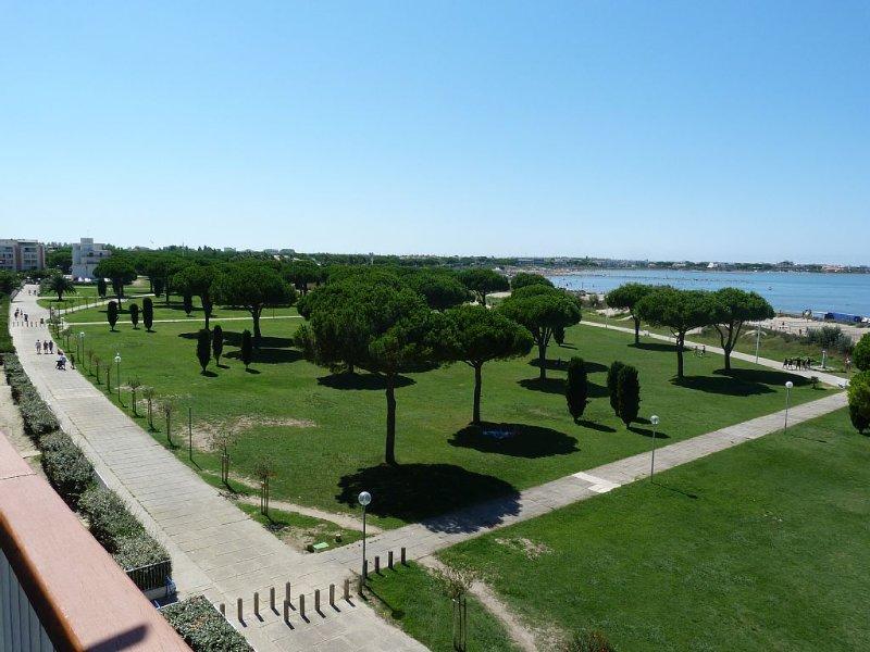 Appartement 3 pièces, vue sur mer  (1ere ligne)- le Grau Du Roi - Gard - France, vacation rental in Le Grau-du-Roi