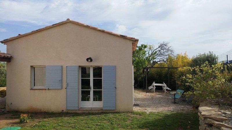 Petite Maison proche Aix Marseille - Calme - Vue panoramique, aluguéis de temporada em Plan De Cuques