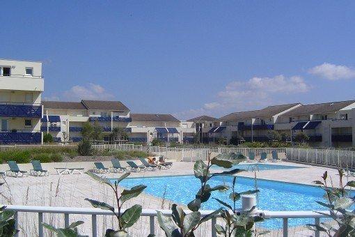VUE MER AVEC PISCINE, Appartement LACANAU OCEAN, vacation rental in Lacanau
