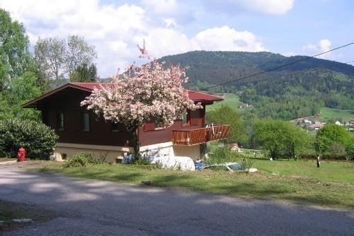 Location de chalet à Cleurie avec magnifique vue sur les vallées des Vosges, location de vacances à Remiremont