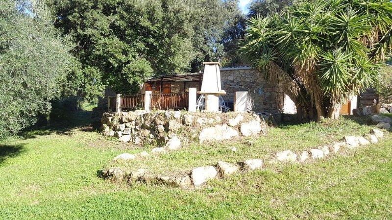maison campagne, grand terrain privé, 800 m de la mer, animaux acceptés, location de vacances à Valle-di-Mezzana
