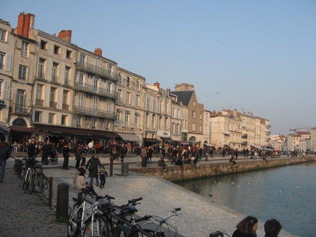 Appartement Vieux Port T2 classé 2 étoiles, vacation rental in La Rochelle