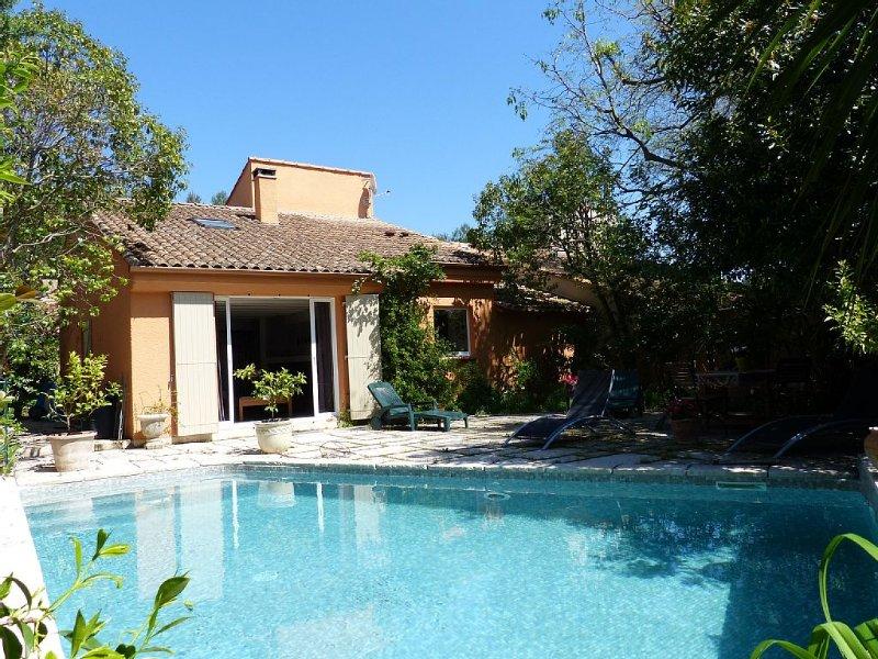 villa Montpellier avec piscine 10 mn du centre ville 8 km de la plage ., holiday rental in Montpellier