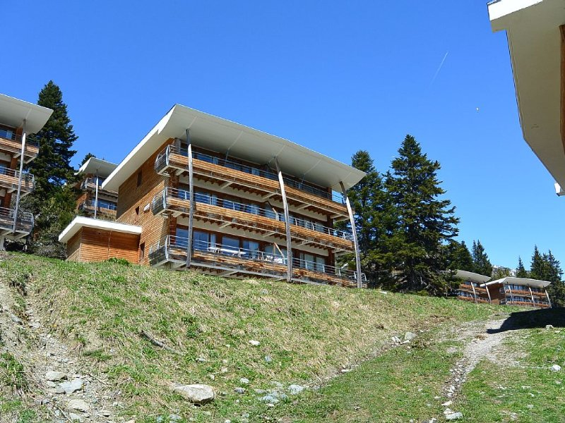 App 4/6 - Domaine de l'Arselle 1700M - in the heart of nature - South expo, casa vacanza a Laffrey