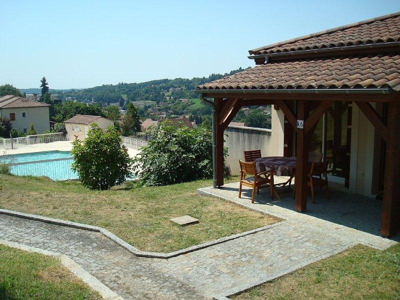 Loue 2 pieces avec piscine à sarlat la caneda, location de vacances à Sarlat la Canéda