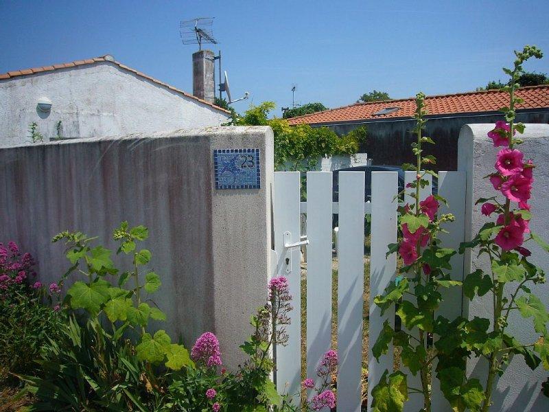 Sur l'île d'Oléron en plein coeur du village situé au bord de mer, holiday rental in Ile d'Oleron
