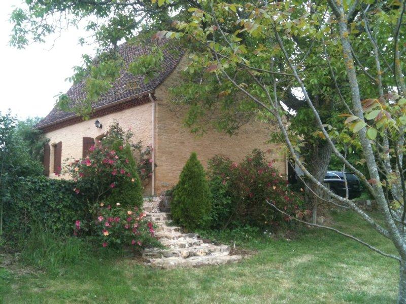 Villa de caractère  2 à 4 personnes, proche Sarlat Périgord Noir, WIFI, casa vacanza a Audrix