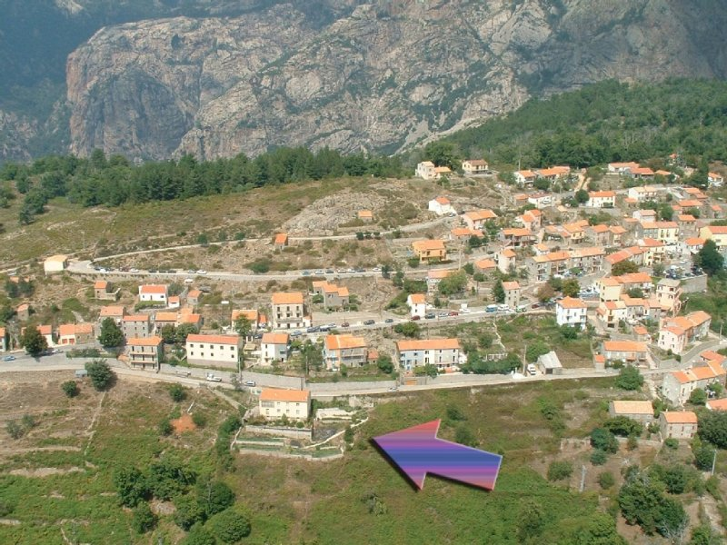 villa de village avec très grande terrasse, totalement indépendante, alquiler de vacaciones en Evisa